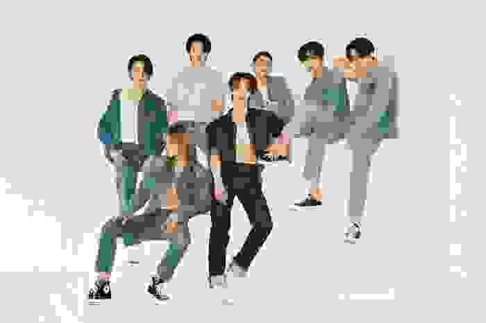 Hậu tranh cãi về vũ đạo, OnlyOneOf lần đầu tiên đạt No.1 BXH Hanteo